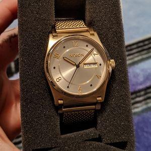 Nixon Women's Jane Milanese Gold Watch A954-2807